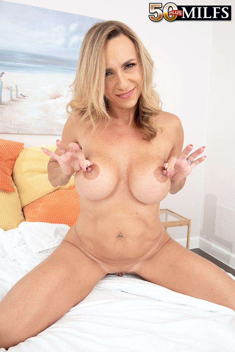 Nude mature women blog